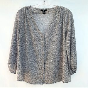 H&M Black and White 3/4 Sleeve Blouse